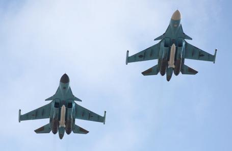 Истребители Су-34.