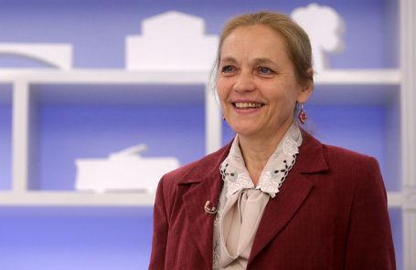 Елена Шувалова.