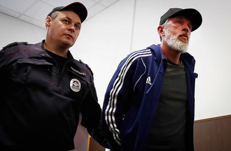 Юрий Белойван (справа).