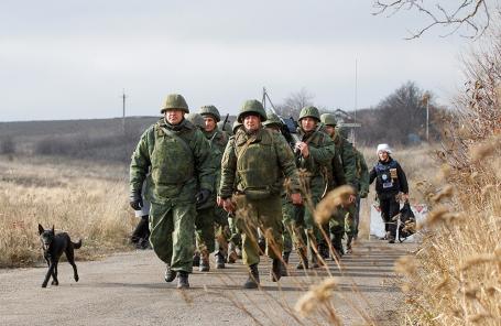 Военнослужащие ДНР около села Петровское.