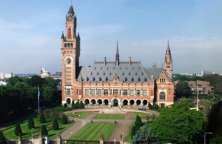 Дворец мира в Гааге, где находится резиденция Международного суда ООН.