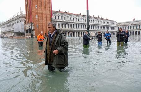Затопленная площадь Святого Марка в Венеции.