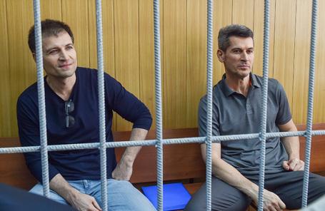 Зиявудин и Магомед Магомедовы (справа налево).