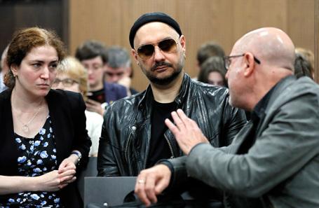 Кирилл Серебренников (в центре), Софья Апфельбаум (слева) и Алексей Малобродский (справа).