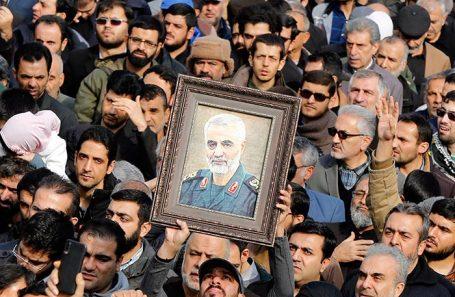 Протесты в Тегеране после смерти генерала Касема Сулеймани.
