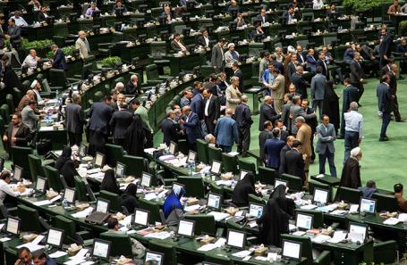 Сессия иранского парламента в Тегеране.