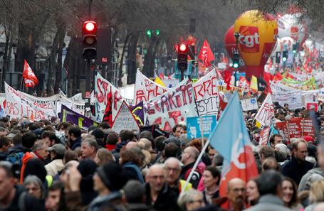 Забастовка работников транспортной отрасли в Париже.
