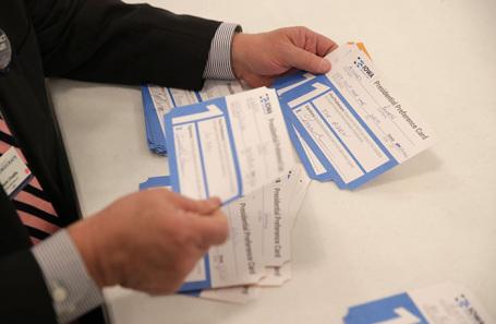 Подсчет голосов в Де-Мойне, Айова, США.