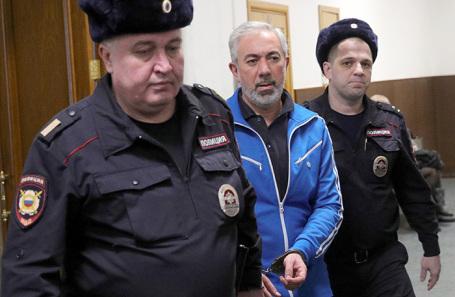 Ваган Абгарян (в центре).