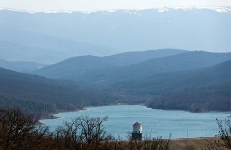 Загорское водохранилище в Крыму.