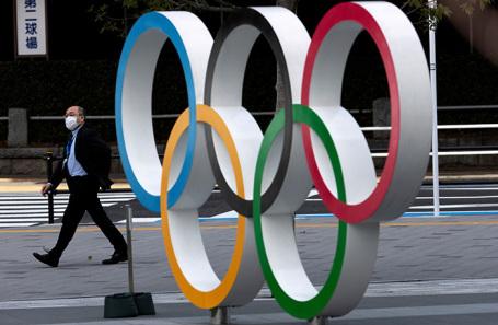 Олимпийские кольца в Токио, Япония.