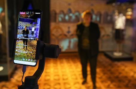 Онлайн-экскурсия по музею Петергофа.