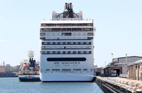 Лайнер в порту Западной Австралии. Март 2020 года.