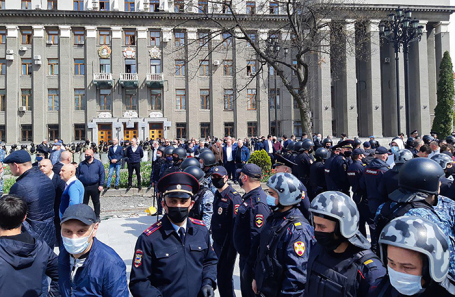 Митинг против самоизоляции во Владикавказе.