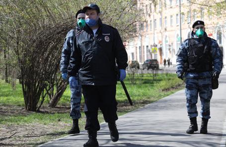 Патрули Росгвардии на улицах Москвы во время режима сомоизоляции. Май 2020 года.