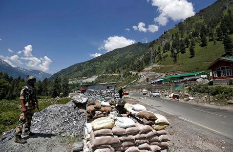 Военнослужащие армии Индии на приграничном пункте Ладакх.