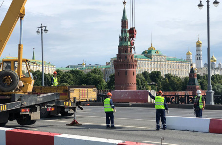 Работы по капитальному ремонту Большого Каменного моста.