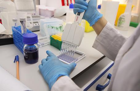 Производство вакцины от коронавируса в НИЦ имени Н. Ф. Гамалеи.