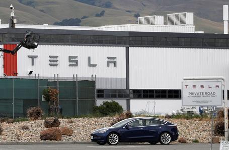 Завод Tesla в Калифорнии.