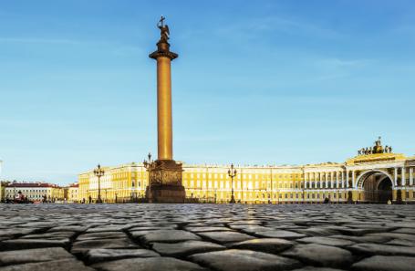 Петербург обогнал Сочи по расходам туристов