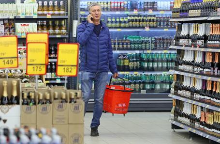 В российских супермаркетах стали появляться бутылки с крупными надписями «не вино»
