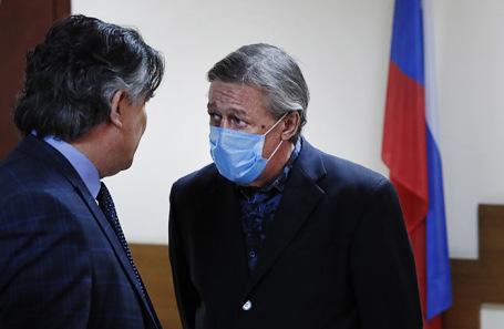 Михаил Ефремов заявил, что адвокат Эльман Пашаев «подставил его на восемь лет»