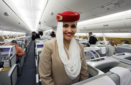 Бортпроводница авиакомпании Emirates.