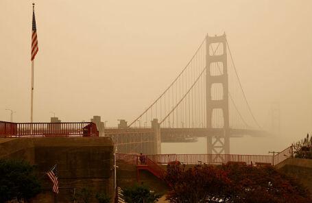 СМИ: число жертв пожаров на западе США превысило 20 человек