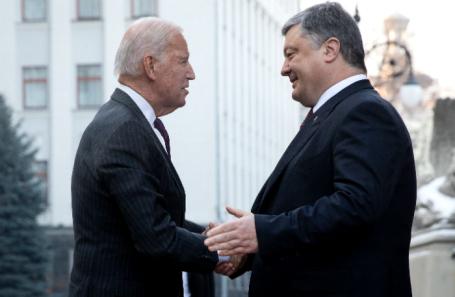 «Пленки Байдена и Порошенко» обернулись новыми санкциями. Почему сейчас?