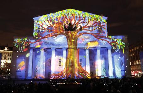 Коронавирус сорвал юбилейный фестиваль «Круг света» в Москве