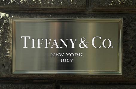 Forbes узнал возможную причину заморозки сделки LVMH и Tiffany