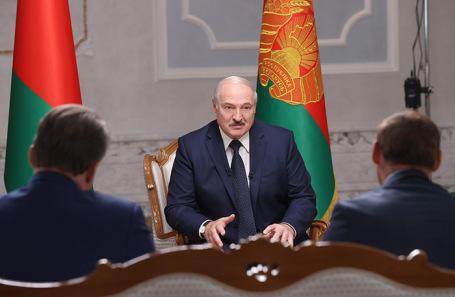 Лукашенко решил закрыть границу «с запада» и вспомнил о России