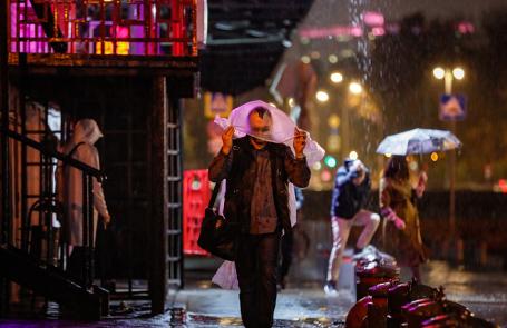 На московский регион обрушился сильный шторм