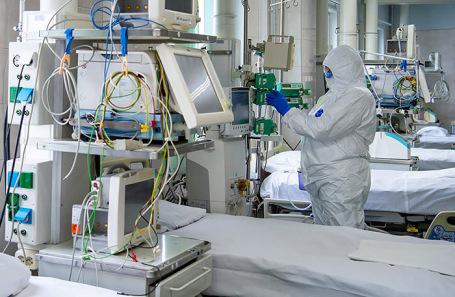 Суточный прирост больных COVID-19 в РФ обновил двухмесячный рекорд