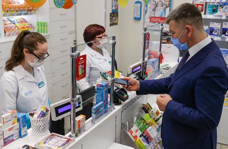 Врачи и вирусологи — о российских препаратах от COVID-19