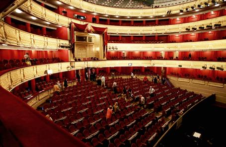 Зрительный зал Королевского театра в Мадриде.