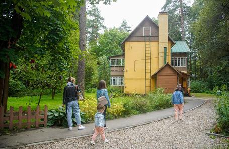 Пешеходная экскурсия по поселению Внуковскому «Знаменитые дачи и усадьбы Переделкина».