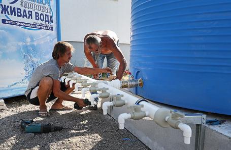В Крыму хотят построить опреснительную установку. Поможет ли это решить вопрос с водой?
