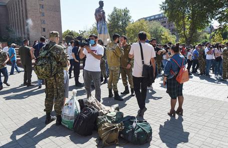 Конфликт в Карабахе: «Людей нет, тишина на улицах. Война»