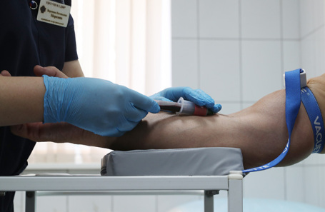 Как чувствуют себя добровольцы после введения вакцины против СOVID-19?
