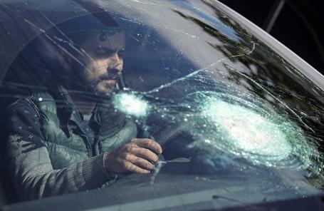Житель Нагорного Карабаха за рулем автомобиля.