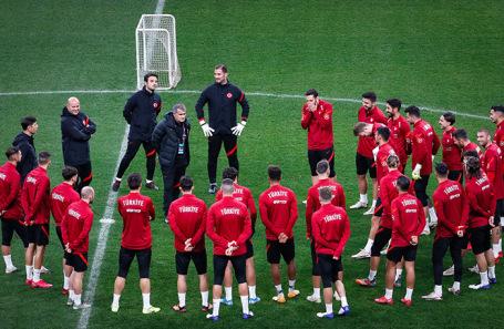 Тренировка сборной Турции по футболу перед матчем Лиги наций УЕФА со сборной России.