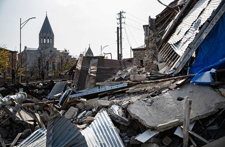 Последствия боевых действий в городе Шуши.