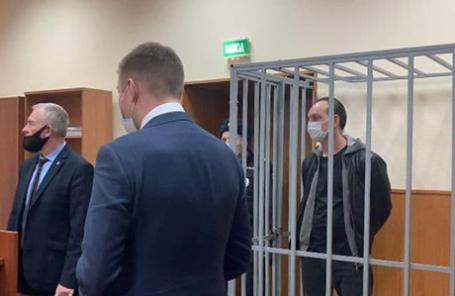 Михаил Хабаров (справа).