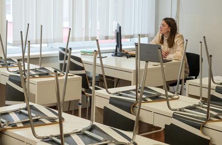 Дистанционный урок в московской школе.