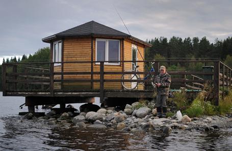 «В итоге мы берем палатку». Не всем туристам хватило жилья и машин на отечественных курортах