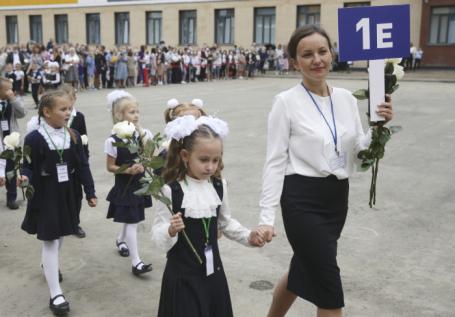 Что лучше: частные школы или государственные? Отвечают Татулова, Усачев и другие спикеры Business FM