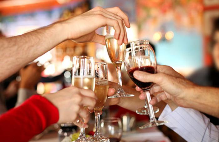 День рождения ресторане со алкоголем