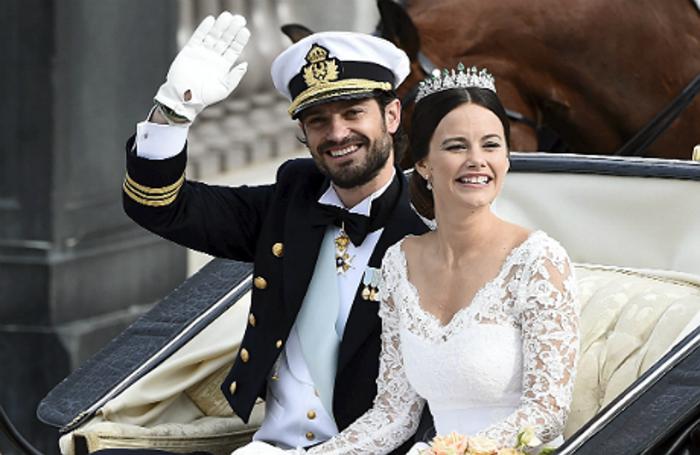 Принц Швеции взял в жены женщину, позировавшую топлесс