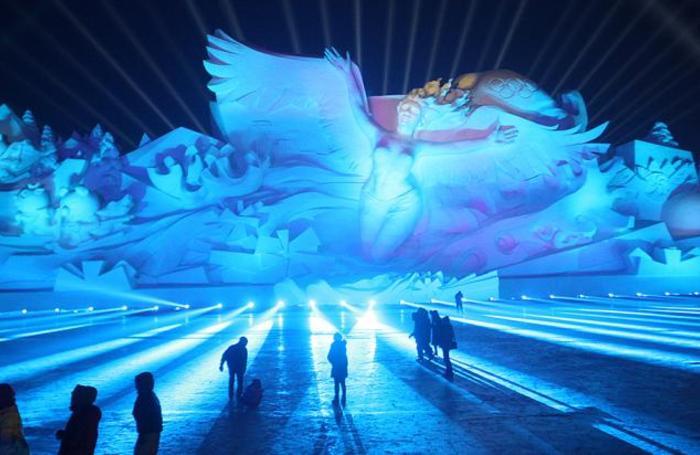Выставка снежных скульптур в Харбине, Китай.